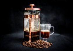 Få fyldig og smagsfuld kaffe med en stempelkande